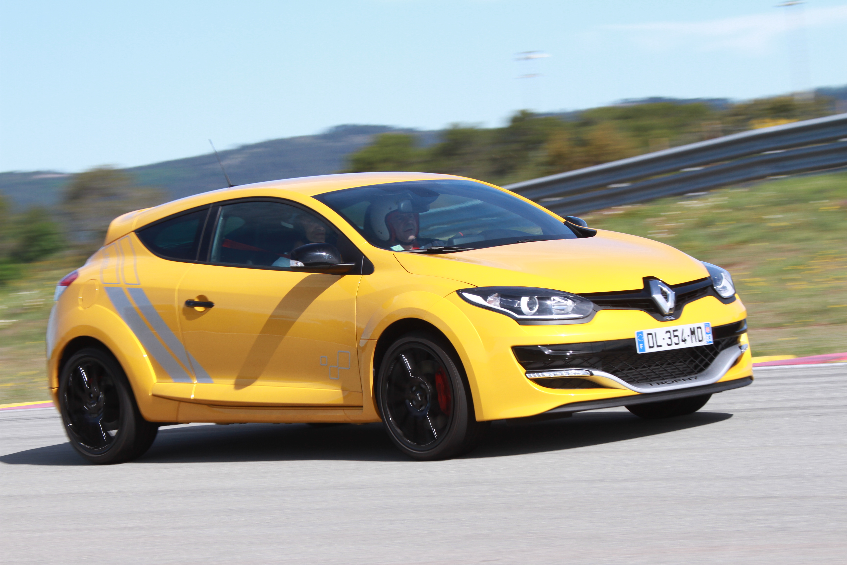 Renault Megane 3 Rs Trophy on race car circuits